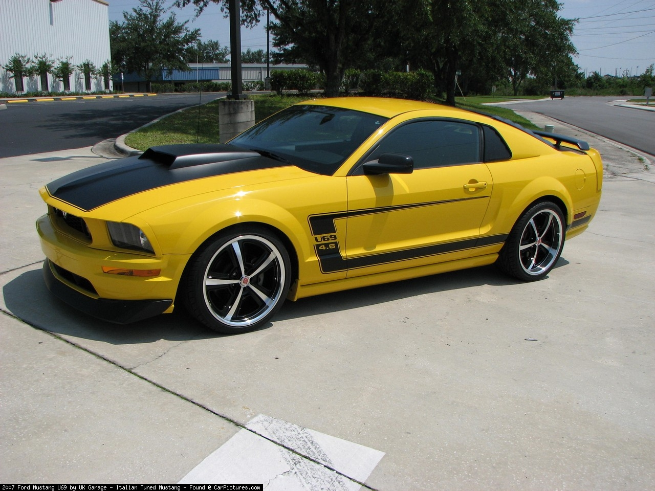 2007_Ford_Mustang_U69_by_UK_Garage_Italian_Tuned_Mustang_A_full.jpeg