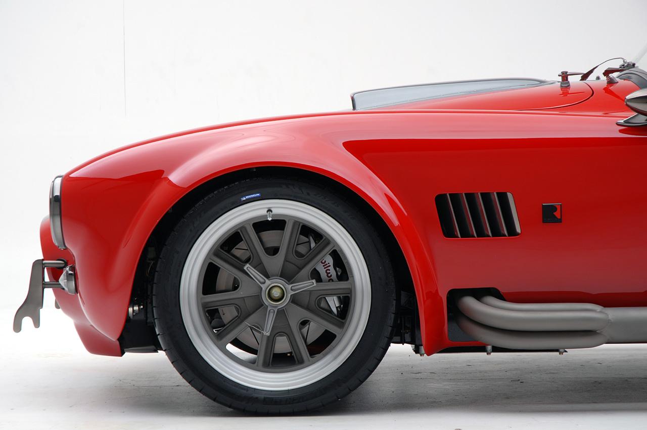 superformance baut zusammen mit roush den mkiii r roadster. Black Bedroom Furniture Sets. Home Design Ideas