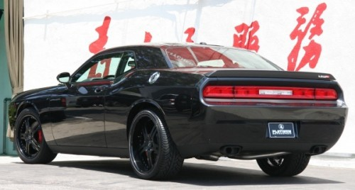 black_dodge_challenger_srt8_04